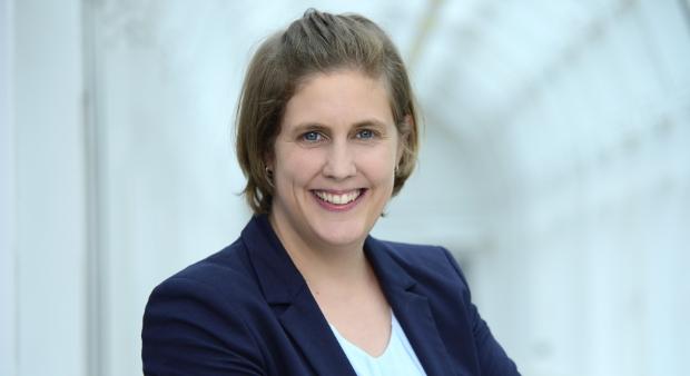 Dr. Christina Schmidt